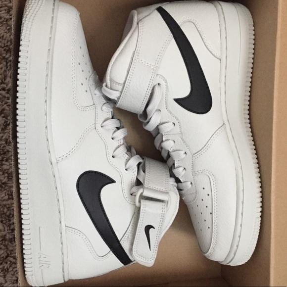 Bisagra Borradura dinero  Nike Shoes | Air Force 1 Mid 07 | Poshmark